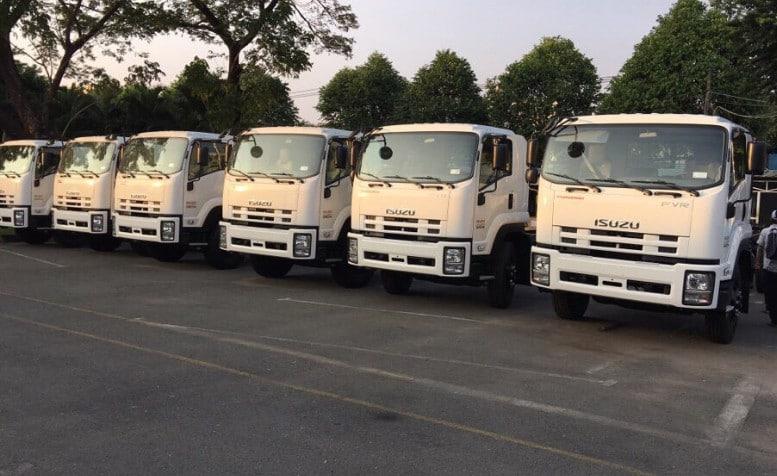 so sánh xe tải hino và xe tải isuzu